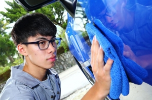 Good news for DIY car wash players! Simple operation can make your car shine.